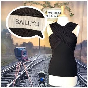BAILEY 44 BLACK FLATTERING BUSINESS CASUAL TOP